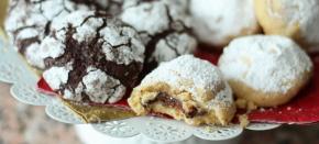 Коледни сладки, ден 1: Шоколадови снежни топки и бисквитки спълнеж